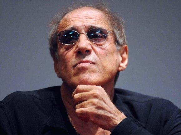 Sieht Adriano Celentano aus wie ein arabischer Mann oder sehen arabische Männer manchmal aus wie Adriano Celentano? Fragen über Fragen!